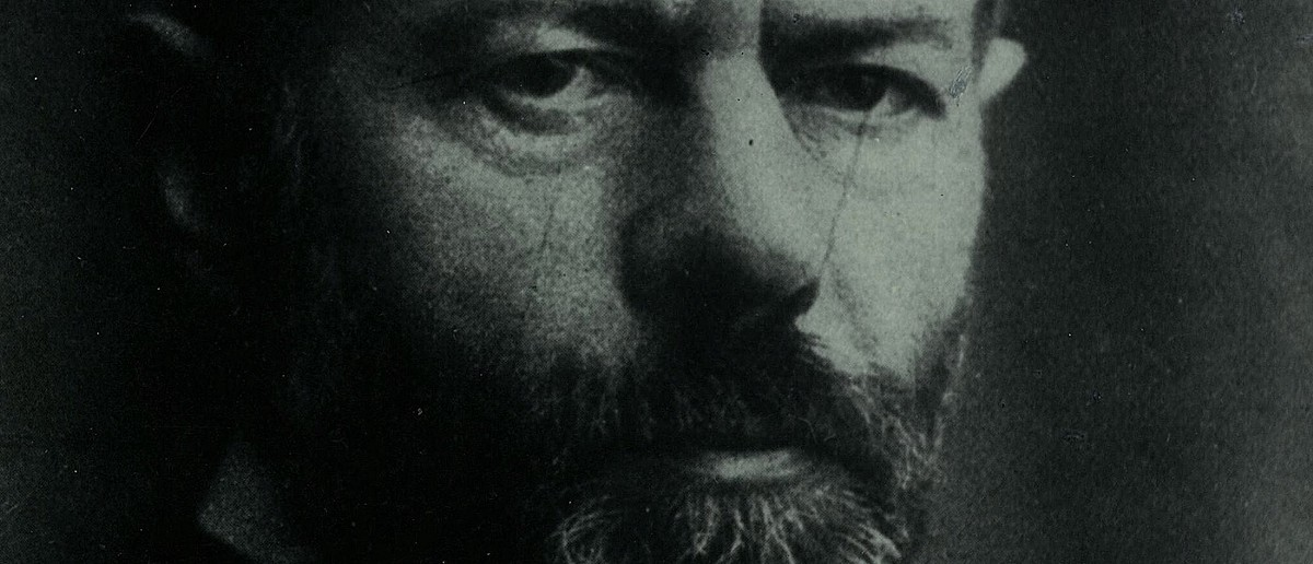 max webber vs henri fayol Max weber and henri fayol both took the scientific theory that was founded by frederick taylor and improved on in their own way max weber took the scientific to the next level so to speak.
